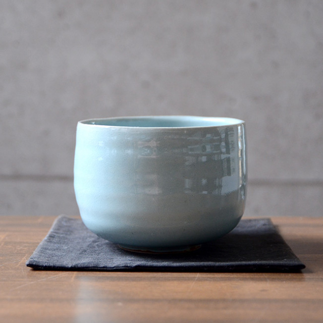 青磁茶碗(共箱付C) 作家「林隆一郎」