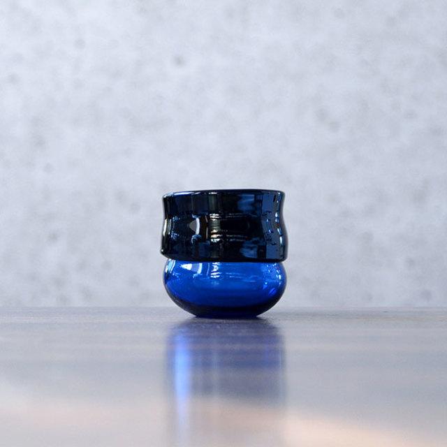 """ガラス DOMAKI """"Blue"""" ぐい呑(SI-043) 作家「飯田将平」"""