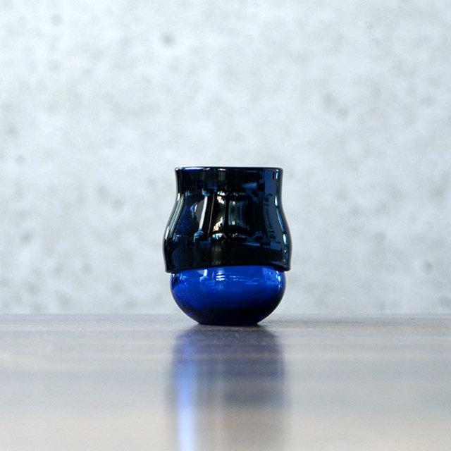 """ガラス DOMAKI """"Blue"""" ぐい呑(SI-046) 作家「飯田将平」"""