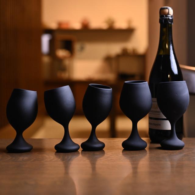 ワイングラス 黒フロスト 作家