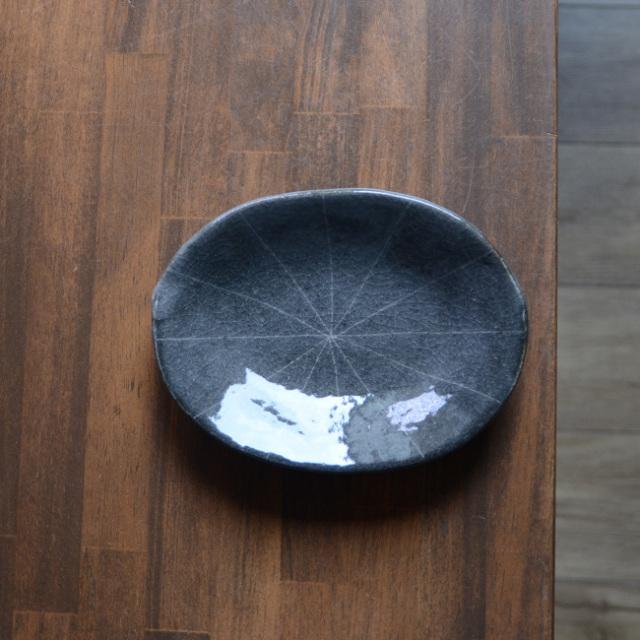 鼠志野線文楕円皿 作家「佐々木好正」
