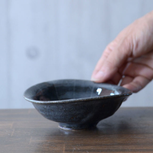 和食器 鼠志野線文楕円小鉢 作家「佐々木好正」