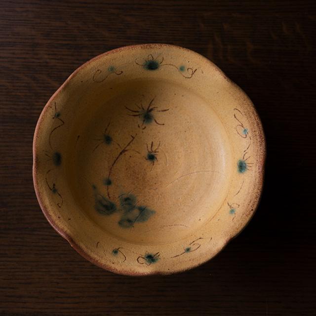 柚子手黄瀬戸草文輪花鉢