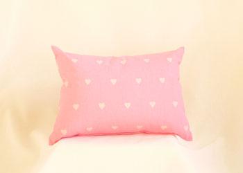 大人気!英国ハーレクインのクッション:ラブハート:pink 30cm×40cm角
