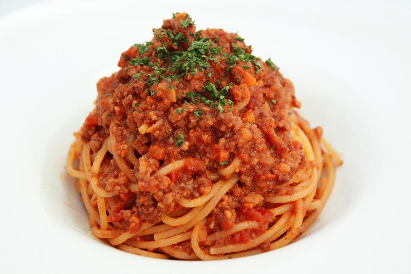 国産牛肉100%の挽き肉とポルチーニ茸のボロネーゼ