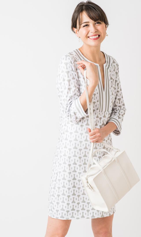 【グレッチェン スコット(Gretchen Scott)】スプリットネックドレス(ライトグレー×ホワイト)[TIME SALE]