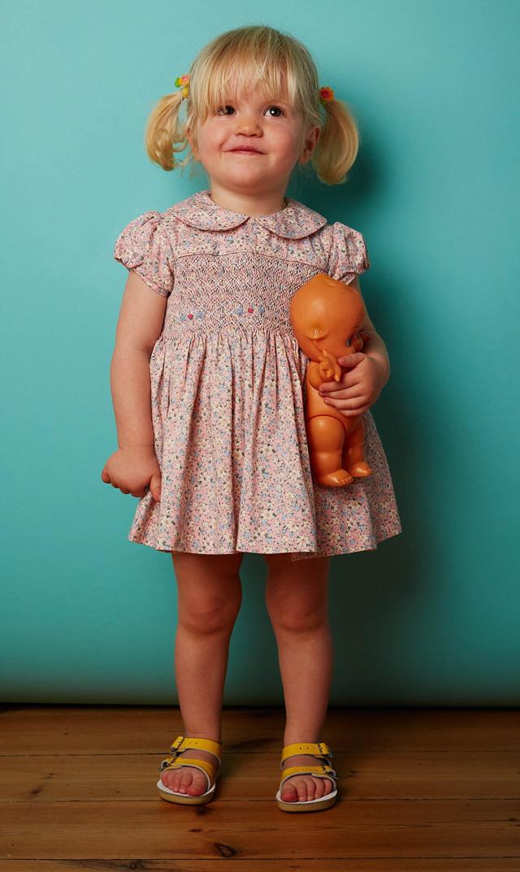 【クエスチョンエブリシング(Question Everything)】JUDIクラシックショートスリーブベビードレス/0ヶ月-24ヶ月
