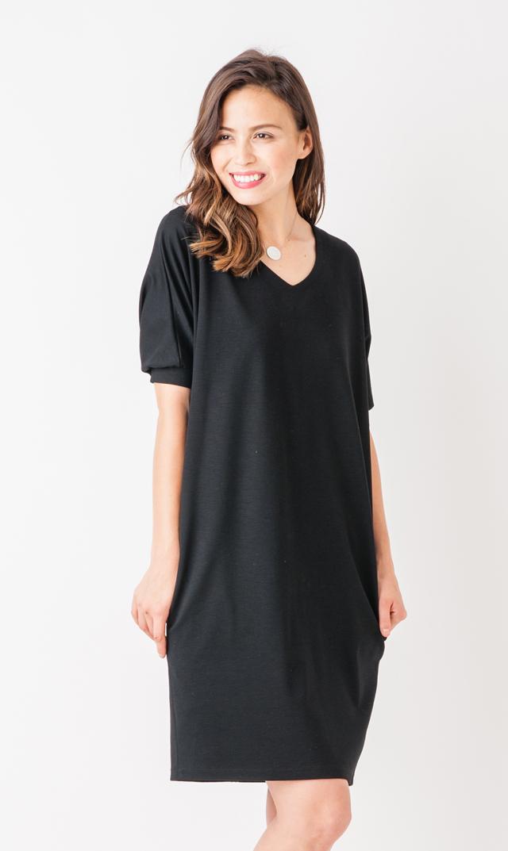 【ヴィリーナ(VIRINA)】ナーシングリュクスVネックドレス(ブラック)