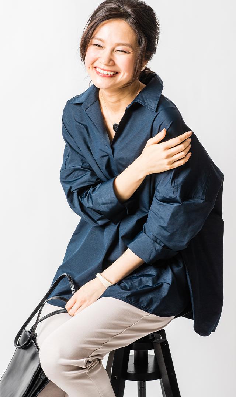【ヴィリーナ】ステラシャツ(ネイビー)