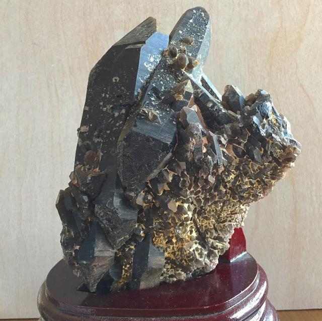 すごくいい☆ 『素朴で、やさしくて、あたたかくて、安心感のあるモリオン(黒水晶)原石クラスター』