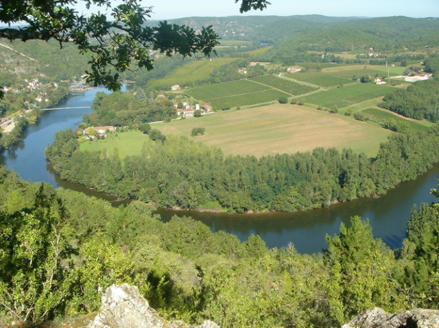 ロット川と畑