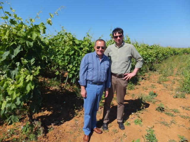 醸造家のジャン・ヴィート氏(左)