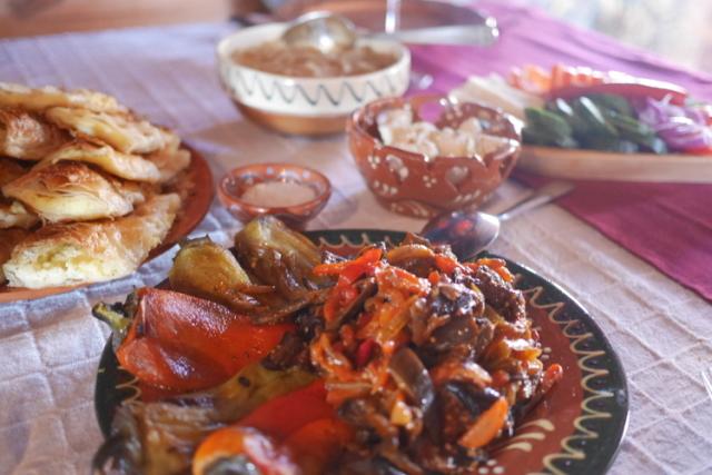 美味しい野菜の煮込みとプラチンタ