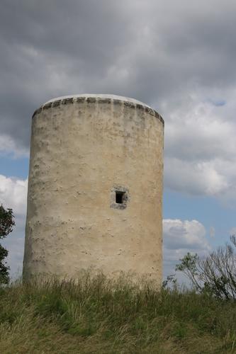 以前風車があった塔