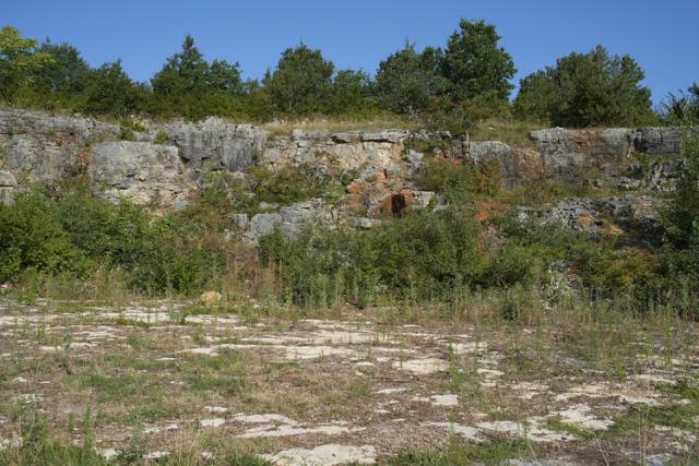 レ・ナルヴォー区画近くの石切り場跡(ムルソー村)