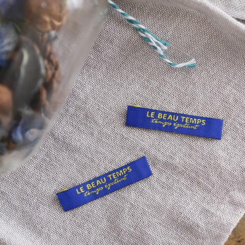 ばら刺繍タグ‐TEMPS(青色×黄)