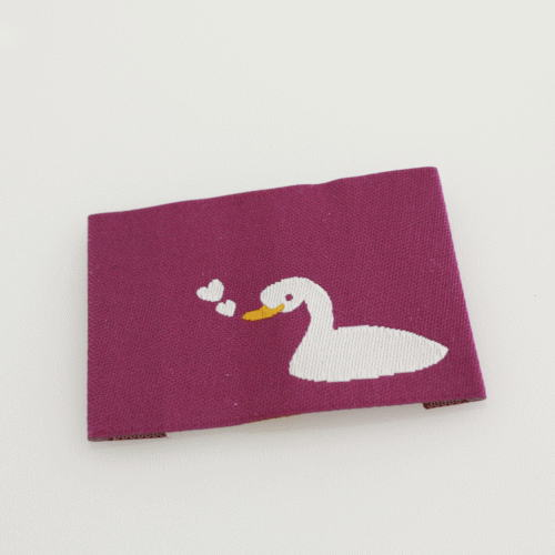 ばら刺繍タグ‐あひるのハート(紫)