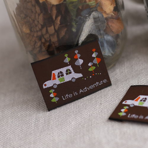 ばら刺繍タグ‐BOUSくるま(茶)