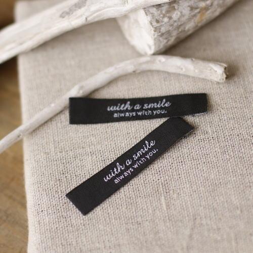 ばら刺繍タグ‐リニューアルwith a smile(黒色×白)