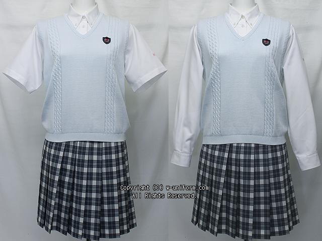 日本大学豊山女子高校の制服(夏・中間)