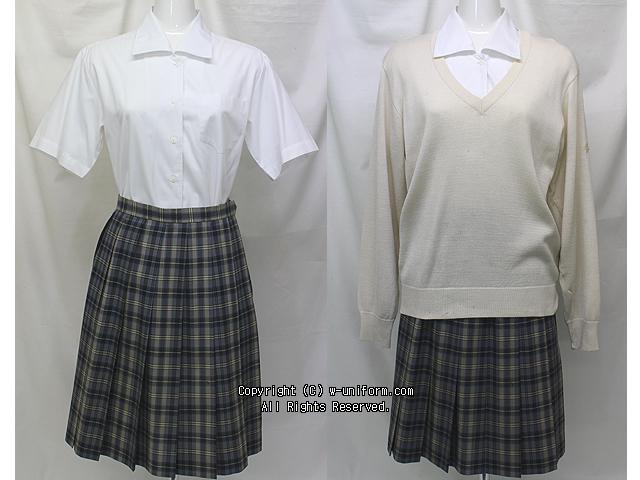 立正大学付属立正高校の制服(夏)旧
