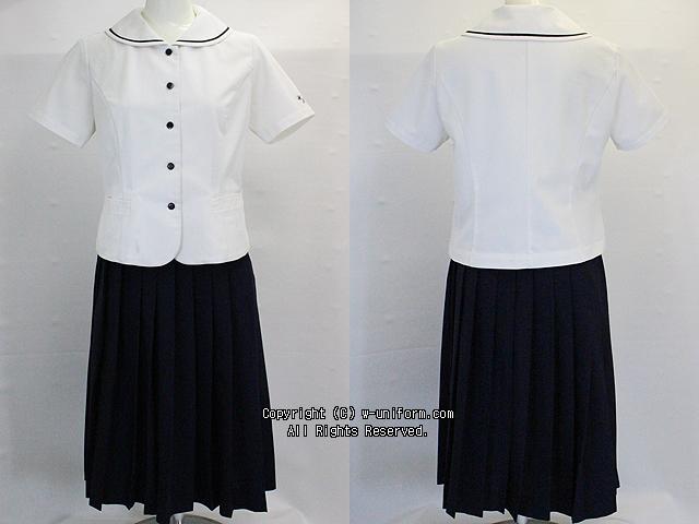 和洋九段女子の制服(夏)
