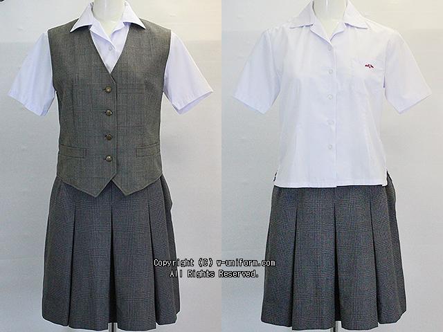 埼玉県立南稜高校の制服(夏)