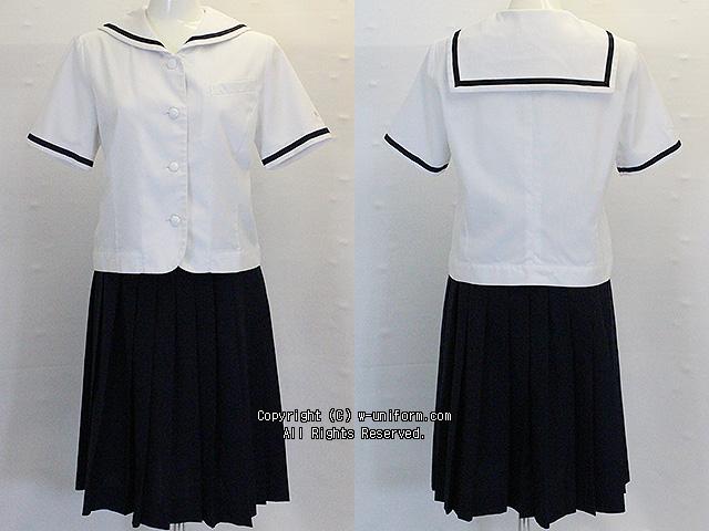 東京家政大学附属女子の制服(夏)