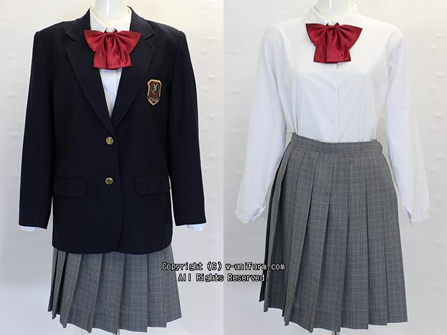 戸田市立新曽中学校の制服(冬)
