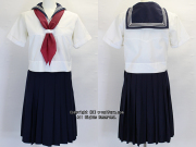 女子聖学院中学校の制服(夏)
