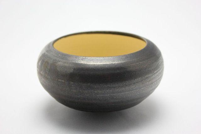 益造作,黒金彩こま型,4号,信楽焼,植木鉢