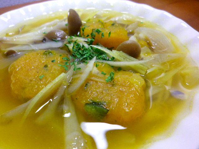 カボチャ団子スープ