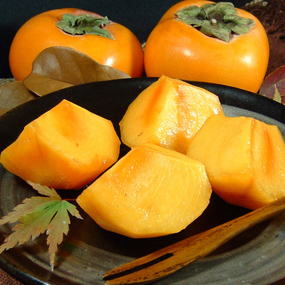 【送料無料】和歌山の柿(贈答用・個装) 西浦さんちの富有柿 約3.5~4kg[12~16個入]/12月上旬頃から順次発送予定