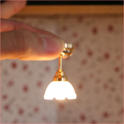 ドールハウスの電飾