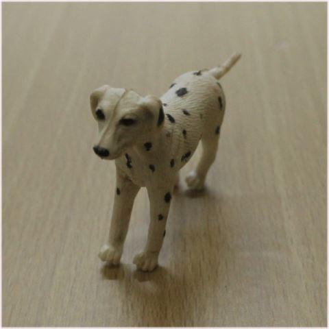 ドールハウス犬
