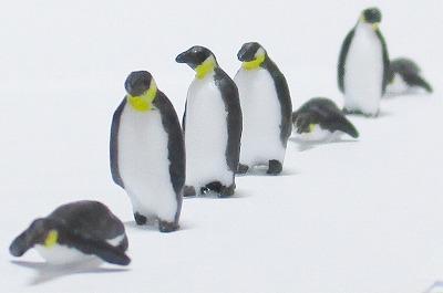 1/100情景アクセサリー ペンギン素材B【YSK】【鉄道模型】【カラーレジン製】【1/100】【ネコポス可】