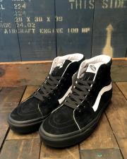 VANS (バンズ) SK8-HI (PIG SUEDE) BLACK/BLACK