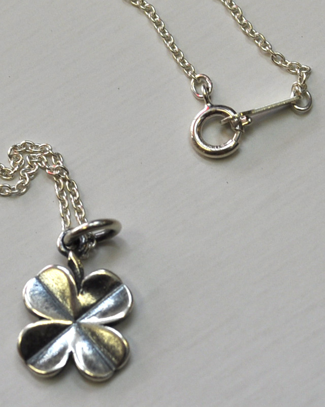 ★再入荷★STANDARD CALIFORNIA (スタンダードカリフォルニア) SD MADE IN USA CLOVER NECKLACE