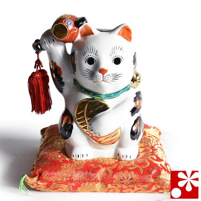 九谷焼 小槌上げ小判招き猫 置物 三毛 座布団付(右手・高 約18cm)(w6-1516)