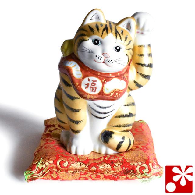 九谷焼 招き猫 置物 金釉彩 座布団付(左手・高 約19.5cm)(w6-1525)