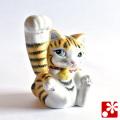 九谷焼 招き猫(右手) 金彩(WAZAHONPO-51570)