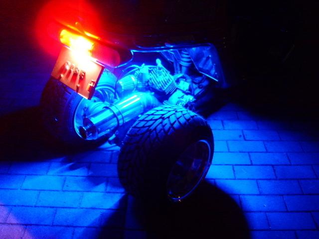 LEDチューブ ブルー 点灯イメージ