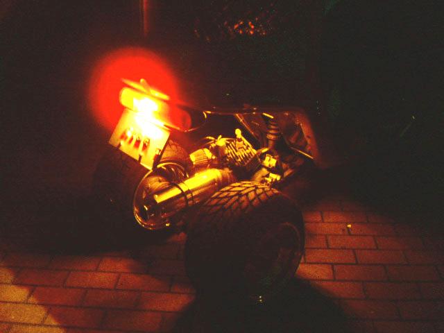 LEDチューブ オレンジ 点灯イメージ