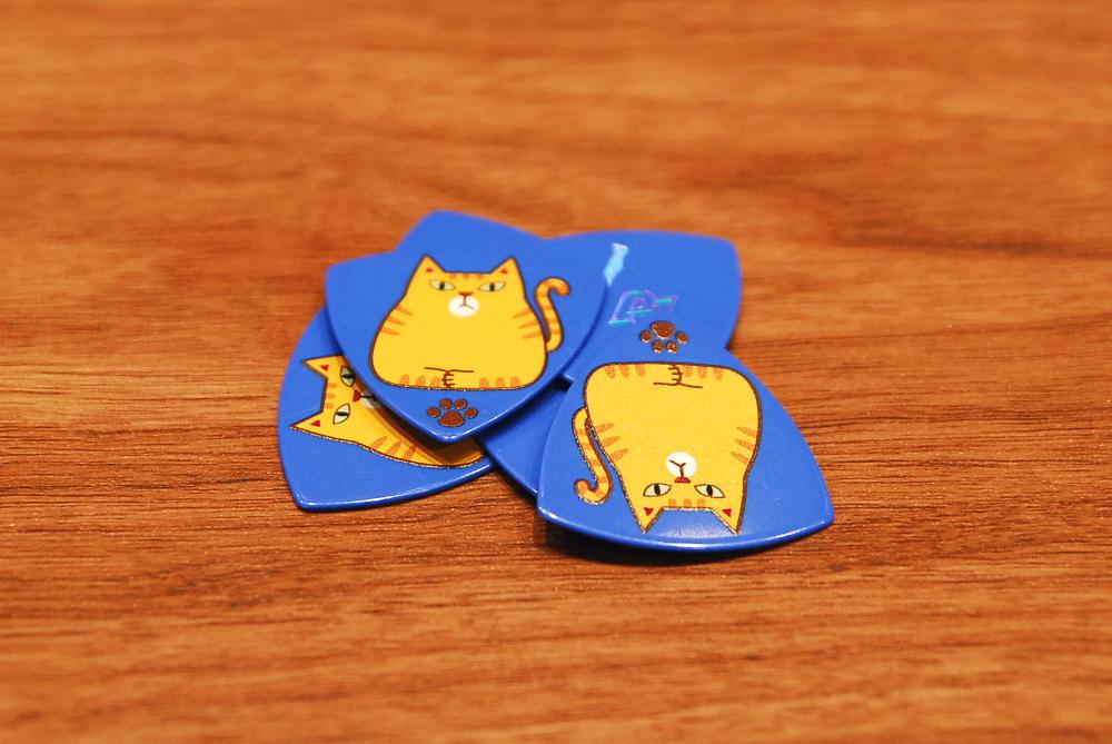 【ネコポス配送】Daiking Corporation ダイキング・コーポレーション Chatra Pick 1.0mm オニギリ/トライアングル/ピック/1枚入り【カードご決済で即納可能!】