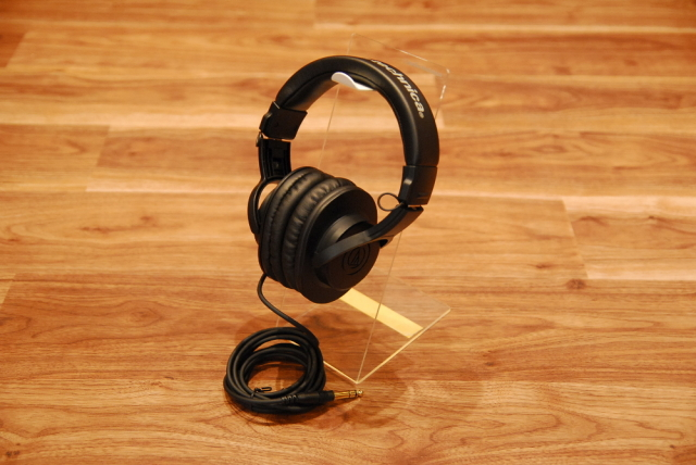 【送料無料】audio-technica オーディオテクニカ ATH-M20x ヘッドフォン【カードご決済で即納可能!】
