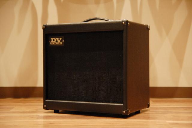 【送料無料】【限定カラー】DV Mark DV JAZZ 12 -Limited Black- [DVM-J12/BK] DVマーク/ギターアンプ/ジャズ/ブラック