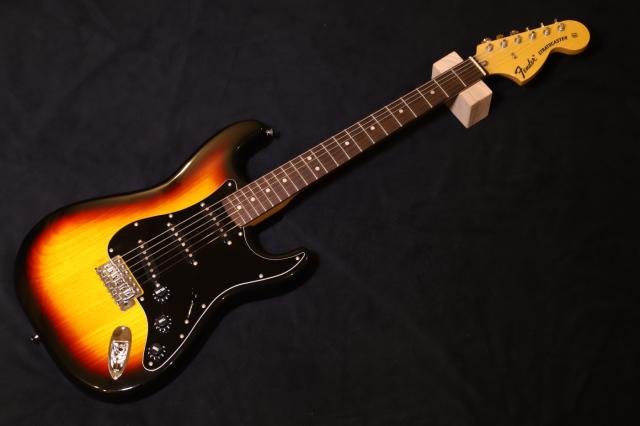 【送料無料】【中古品】Fender JAPAN フェンダー ST71-93TX 3TS/R  ストラトキャスター/エレキギター