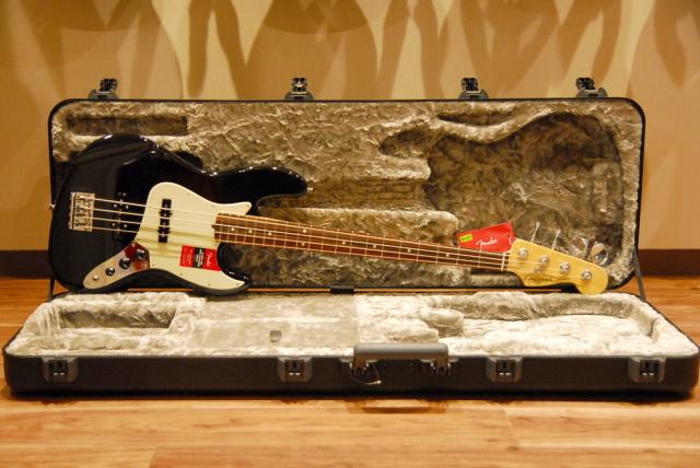 【送料無料】Fender フェンダー [0193900706] American Professional Jazz Bass BLK(Black) ジャズベース/ブラック(黒)【正規品】