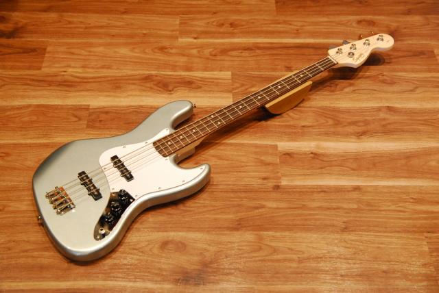 【送料無料】Squier by Fender フェンダー スクワイヤー Affinity Series Jazz Bass RN SLS (Slick Silver) [0310760581] ジャズベース