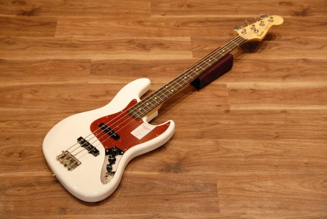 【送料無料】Fender フェンダー [5758600380] Made in Japan Hybrid 60's Jazz Bass® Rosewood AWH(Arctic White) ジャズベース/エレキベース/アークティックホワイト【正規品】